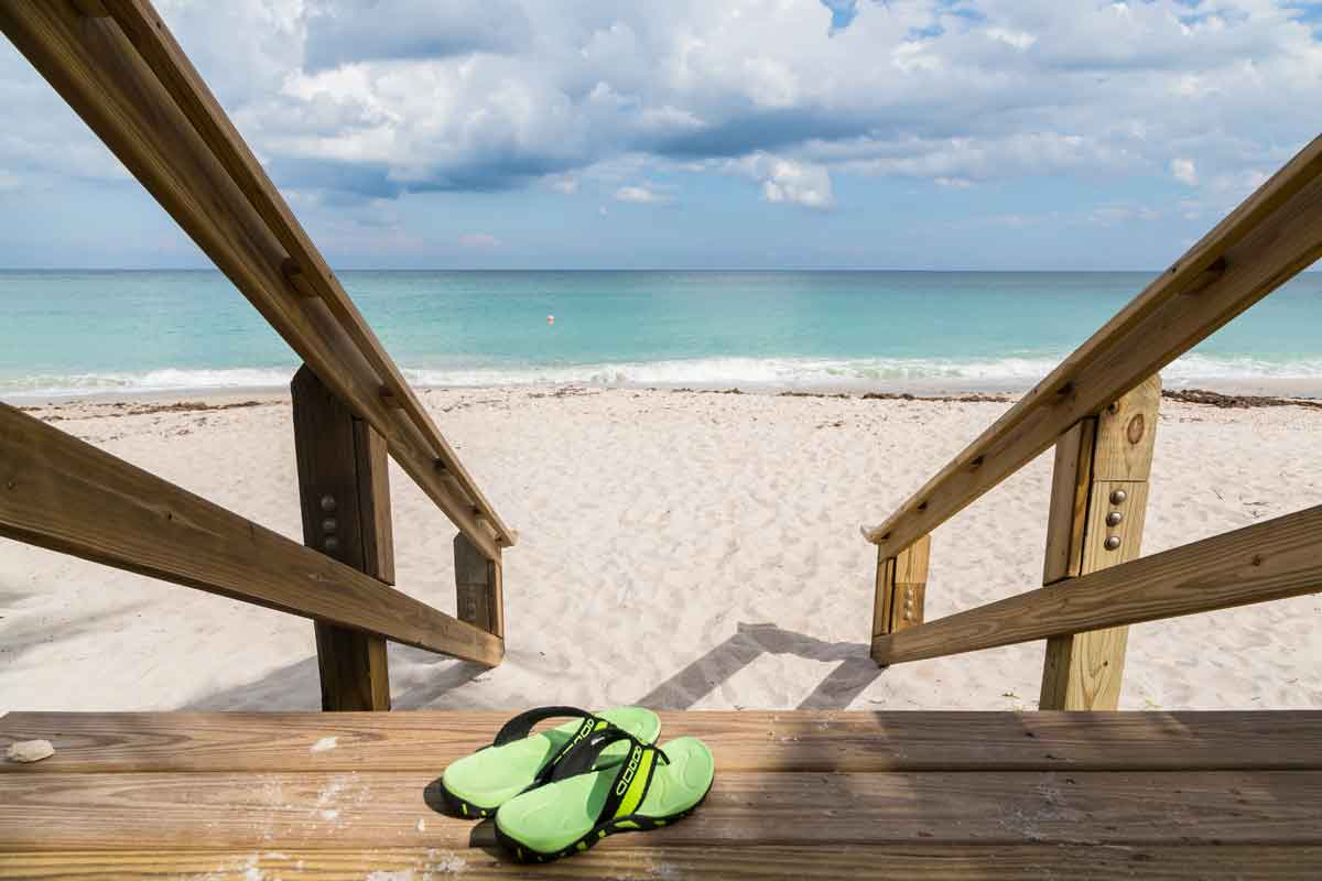 huisje aan zee direct op het strand