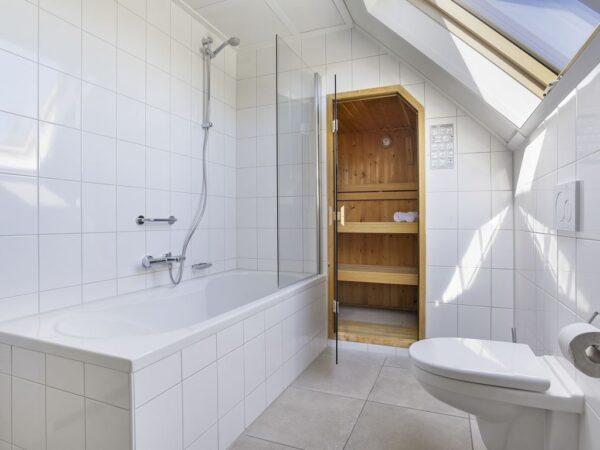 Landal Strand Resort 8L - Nederland - Zeeland - 8 personen - badkamer
