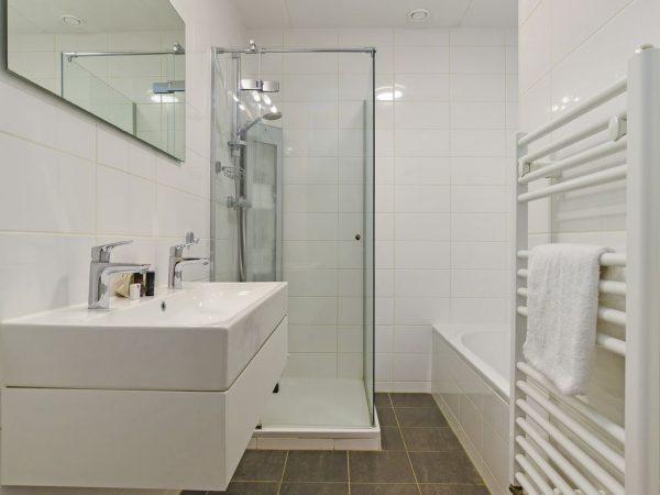 Landal Vlieduyn 2-4LA - Nederland - Waddeneilanden - 4 personen - badkamer