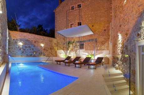 Villa Majestic - Midden Dalmatië - Bol - 12 personen